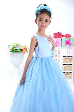 BLUE TRAILING CLAIRA BALL GOWN