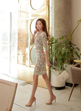 Pleated V-neck Sleeves Floral Dress