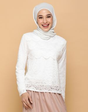 HANNAH LACE TOP IN WHITE