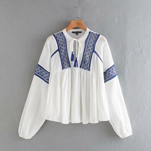 WHITE AND BLUE EMBROIDERED COTTON TOP