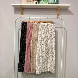 Majdina pleated skirt