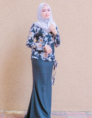LILY WRAP IN BLACK