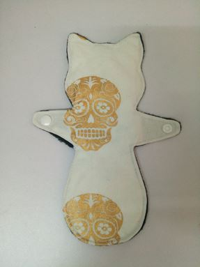 Medium pad kitty Skull