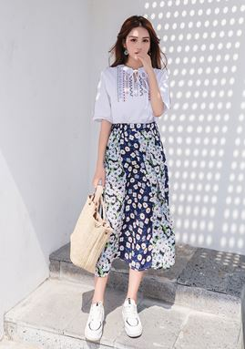 Embroidery Short-sleeved Shirt + Floral Skirt