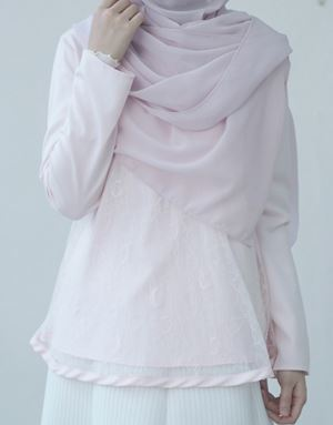 BASIC LACE TOP IN SOFT PINK