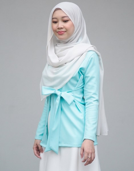 SYAIMA WRAP TOP IN TURQUOISE BLUE