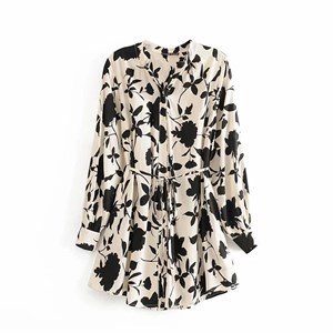 BLACK AND WHITE FLORAL PRINTS TOP