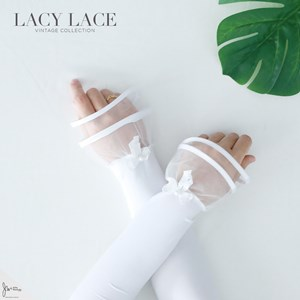 LACY LACE HANDSOCK IN SNOW