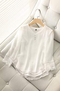 Lace Stitching Beaded V-neck Top