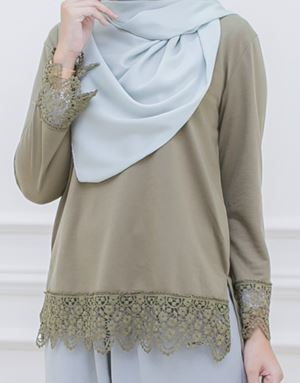 DINDA LACE SHIRT IN DARK OLIVE