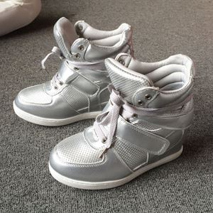 RY114 Silver [Size: 36]