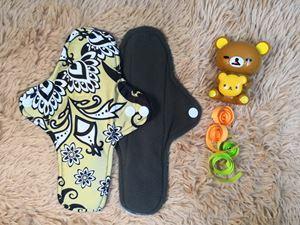Cloth Pad - Batik (Positive) - Size M