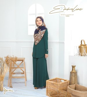 05 EMMALINE SUIT IN EMERALD GREEN