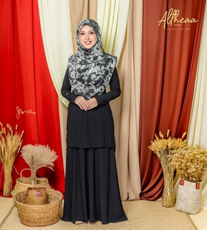 ALTHEA IRONLESS SUIT IN ELEGANT BLACK
