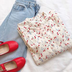 SMALL RED FLOWERS TOP