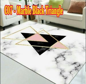 C07 - Marble Black Triangle