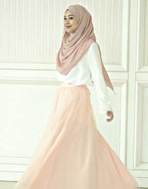 SELENA SKIRT IN PEACH