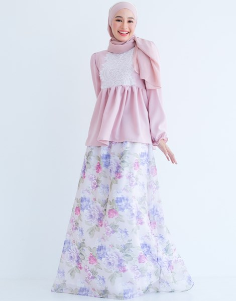 BELLE FLORAL SKIRT IN LAVENDER