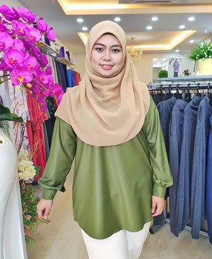 DONNA Top Olive Green