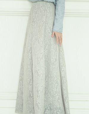 KHLOE LACE SKIRT IN LIGHT GREY