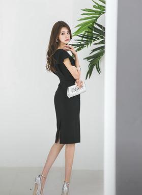 V-collar Slim Ruffled Dress