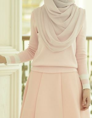SWEETHEART SWEATER IN BABY PINK