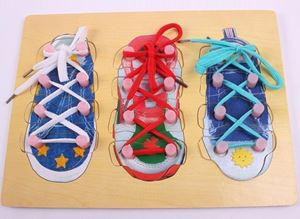 LEARN TO TIE SHOE LACES N01085