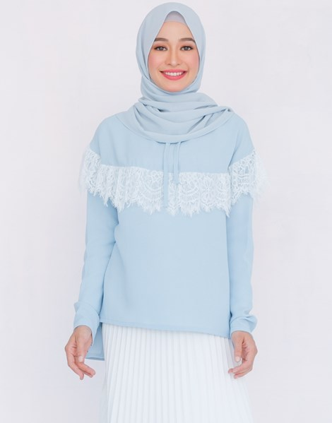 MATHILDA TOP IN BABY BLUE