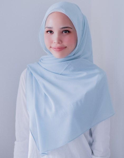 ADRA BASIC SHAWL IN MINT BLUE