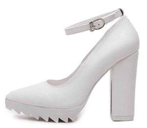 Shoe 2716 Black | White