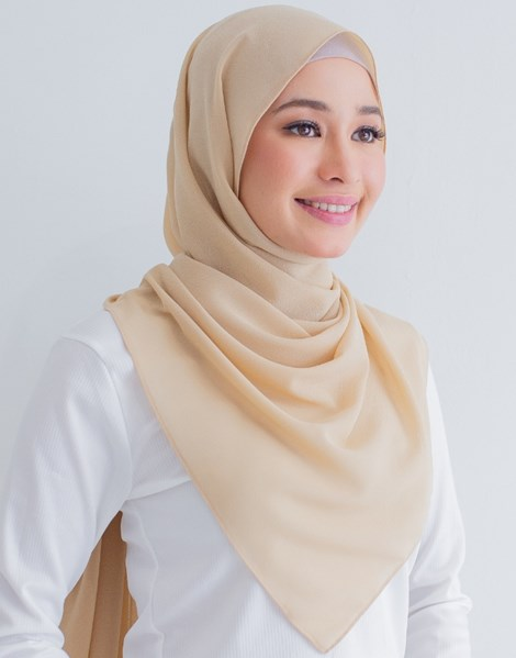 BASIC E SHAWL IN LATTE