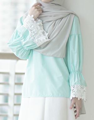 MIKA TOP IN MINT