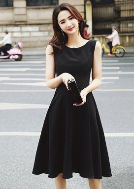Hepburn Black Dress
