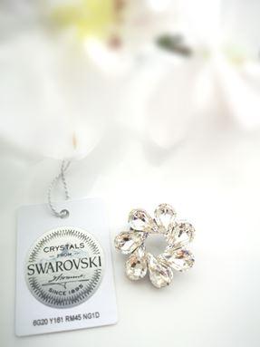 Brooch Dahlia Classic Crystal