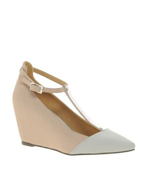 SHADOW Pointed Wedges with Metal T-Bar
