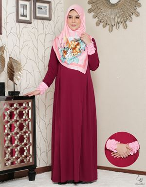 Siti Aafiyah Dress : Maroon