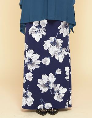Adelia Skirt Printed : Navy Blue Floral