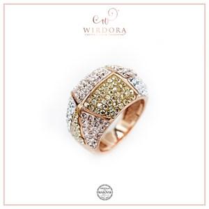 Lisa Ring - Golden