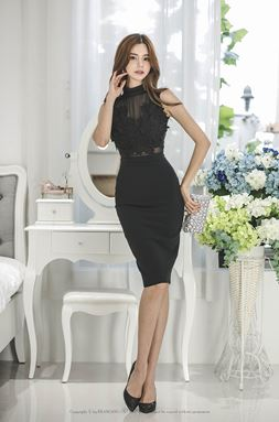 Stereo Lace Flower Dress