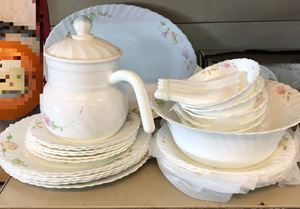 QUEENS OPALWARE 46PCS - COUNTRY ROSE