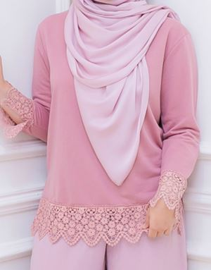 DINDA LACE SHIRT IN DARK BLUSH