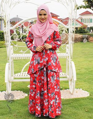 SELENA PRINCESS DRESS - CHILLI RED