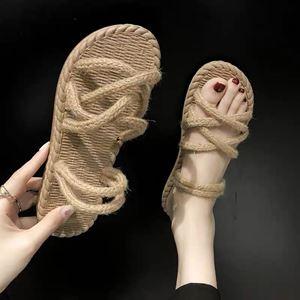 Aera Sandals