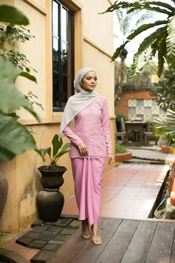 Salmah Kurung (Light Pink)