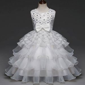 @  C00357  GOWN ( WHITE )   SZ 110 - 150