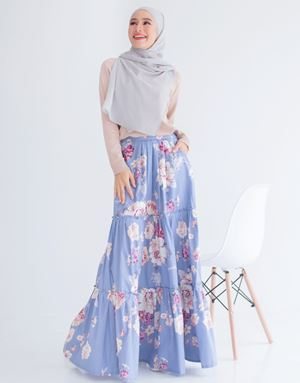 ANNA FLORAL SKIRT IN SKY BLUE