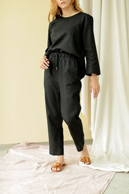 Lucilea Tapered Pants (Black)