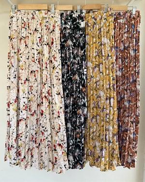 Suria pleated skirt