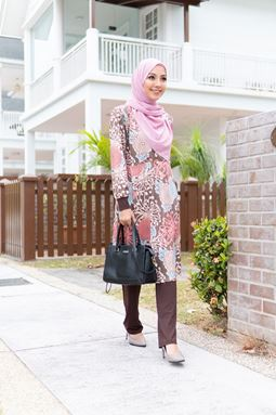 Helwa Exclusive (H103) Blouse By Qissara (Size M, L, 2XL only)