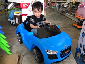 AUDI KIDS RIDE REMOTE CONTROL CAR ETA 10 AUG 20